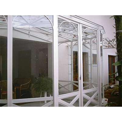 Manutenção de Coberturas de Vidro